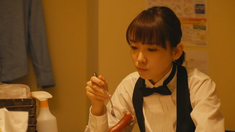【飯豊まりえお宝画像】モデルもやってる可愛い女優の疑似フェラと濡れ場 11