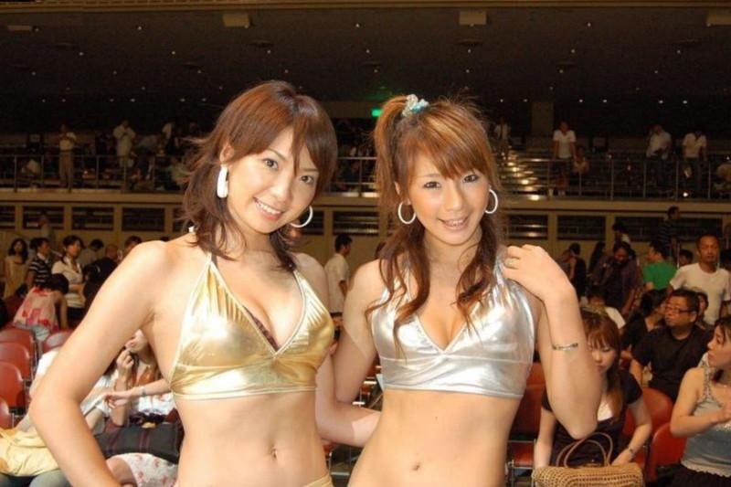 【ラウンドガールエロ画像】格闘技のリングを華やか彩る美女たち