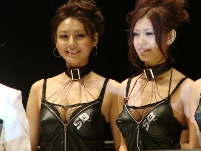 【ラウンドガールエロ画像】格闘技のリングを華やか彩る美女たち 14