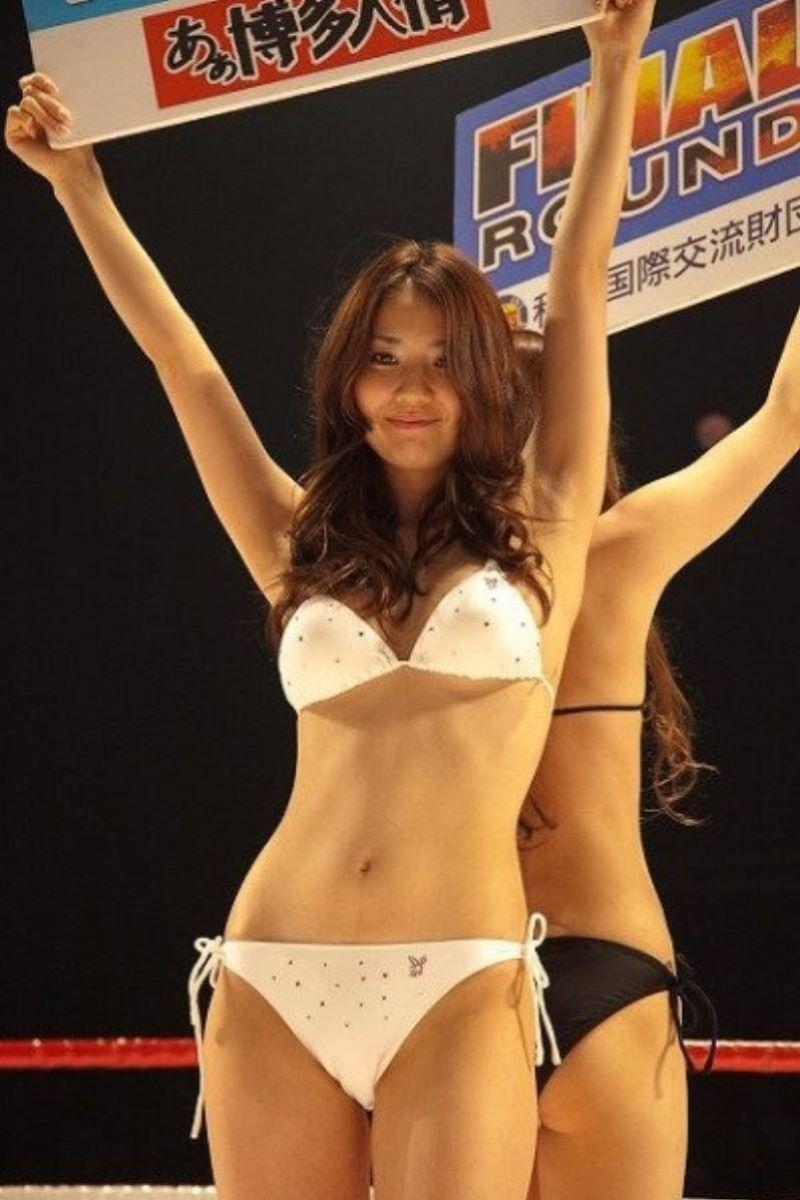 【ラウンドガールエロ画像】格闘技のリングを華やか彩る美女たち 66