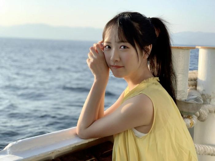 【石田千穂グラビア画像】突然活動休止を発表した美少女センターアイドル