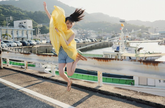 【石田千穂グラビア画像】突然活動休止を発表した美少女センターアイドル 21