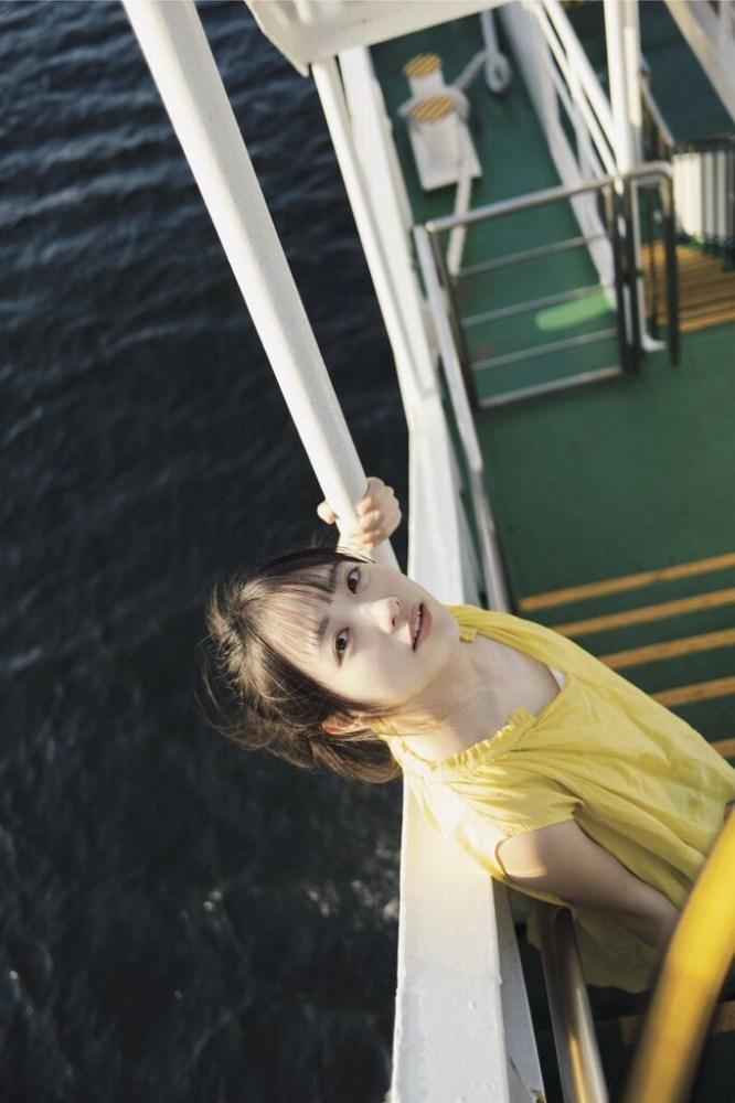 【石田千穂グラビア画像】突然活動休止を発表した美少女センターアイドル 22