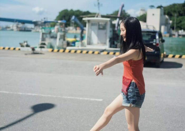 【石田千穂グラビア画像】突然活動休止を発表した美少女センターアイドル 25