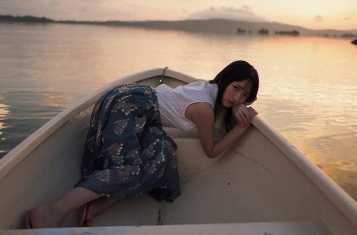 【石田千穂グラビア画像】突然活動休止を発表した美少女センターアイドル 31