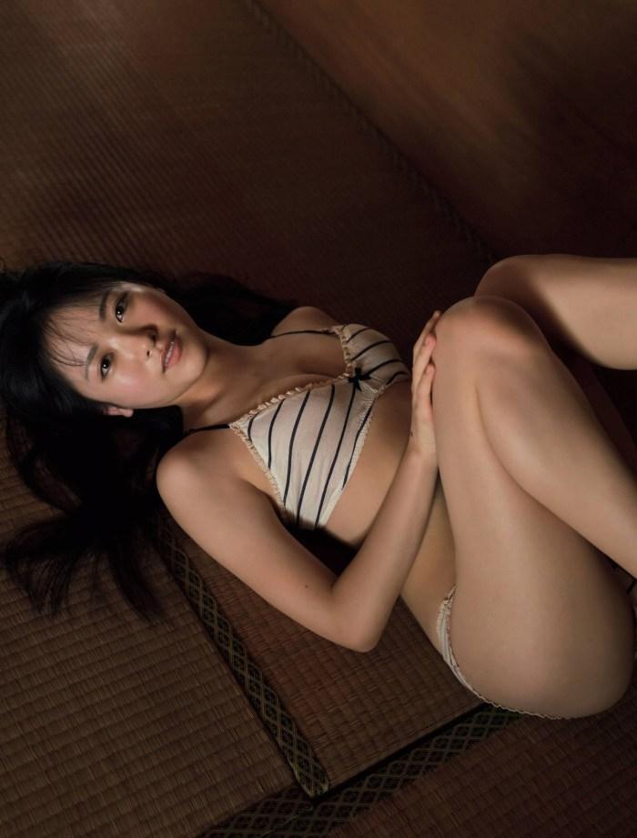【石田千穂グラビア画像】突然活動休止を発表した美少女センターアイドル 32