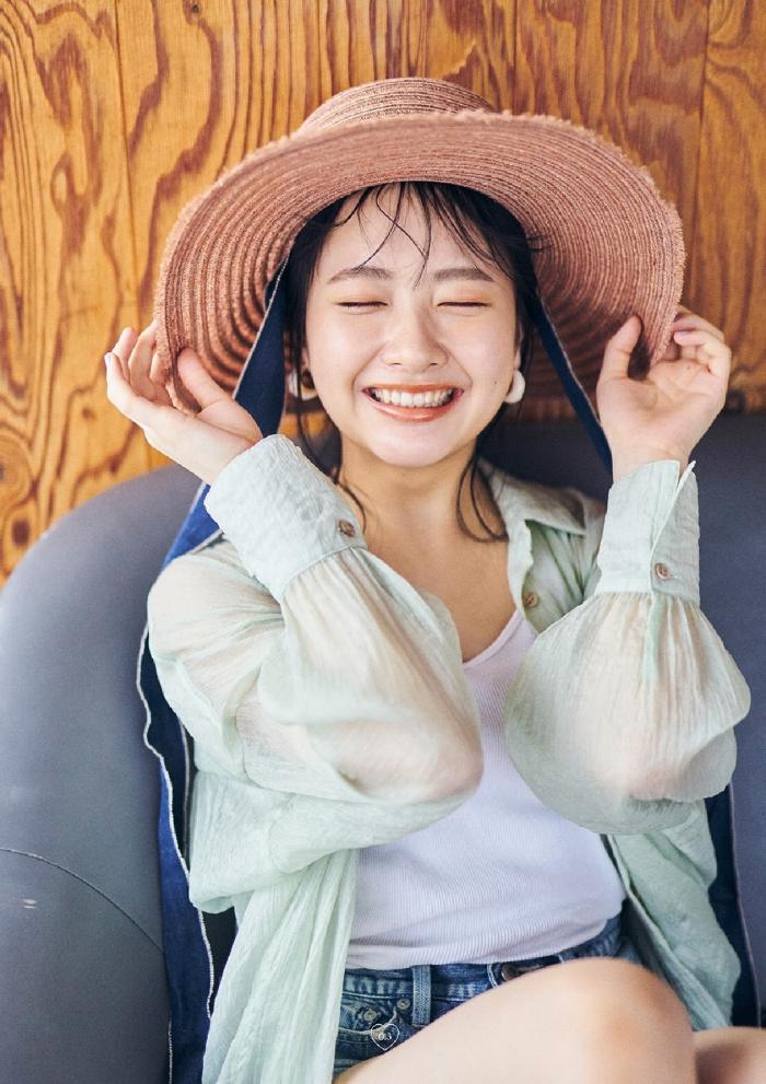 【石田千穂グラビア画像】突然活動休止を発表した美少女センターアイドル 55