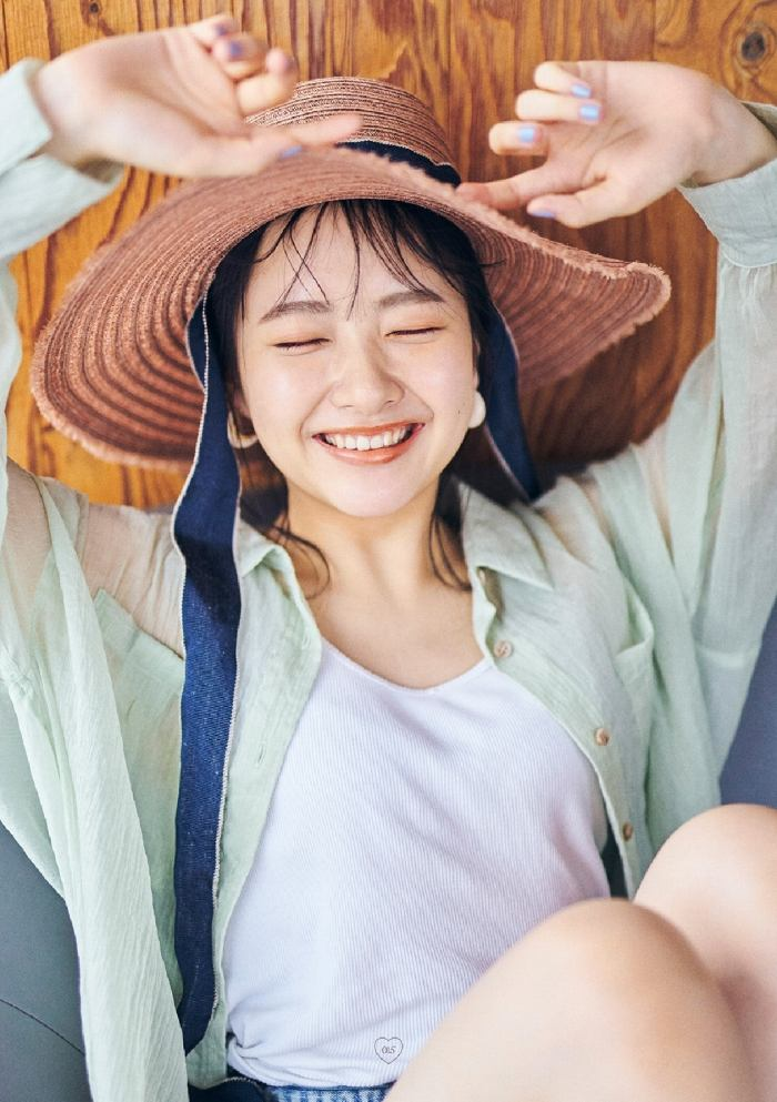【石田千穂グラビア画像】突然活動休止を発表した美少女センターアイドル 57