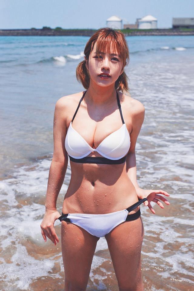 【ヴァネッサ・パンエロ画像】実業家でコスプレイヤーの台湾発美人グラドル 15