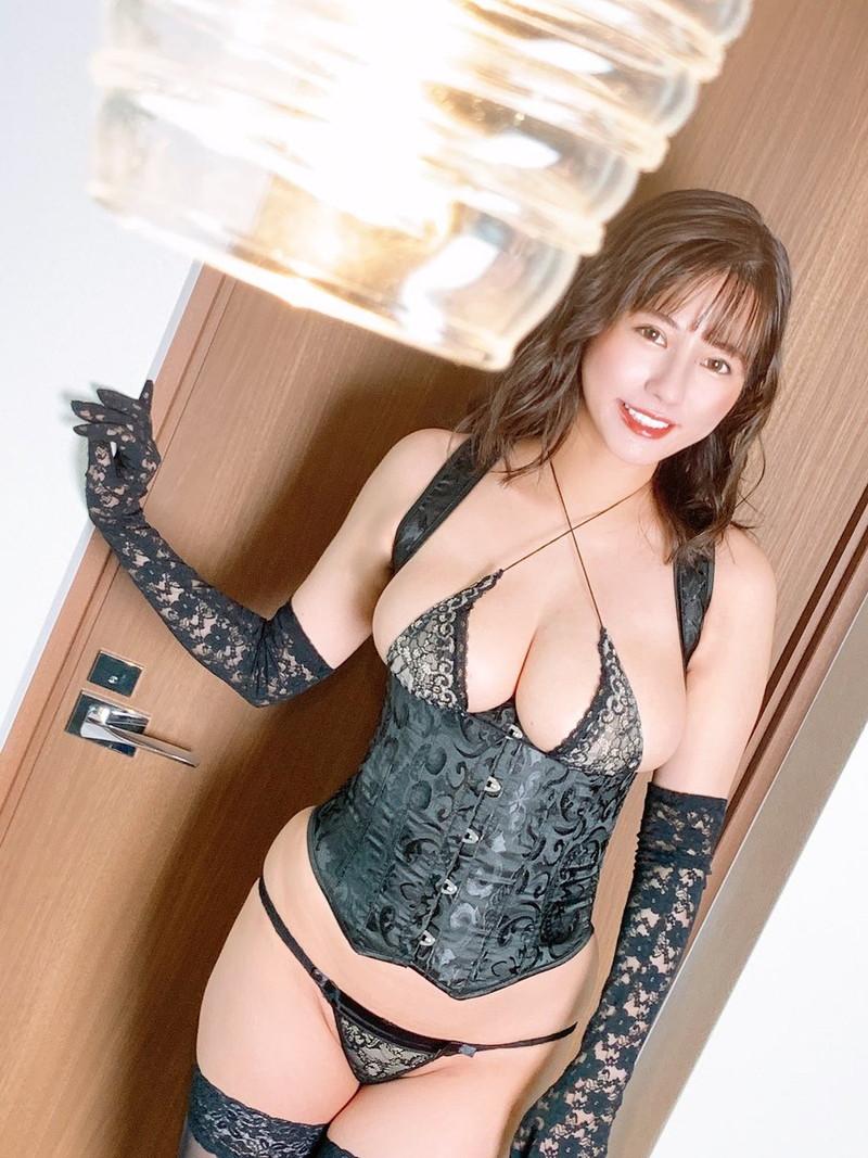 【ヴァネッサ・パンエロ画像】実業家でコスプレイヤーの台湾発美人グラドル 21