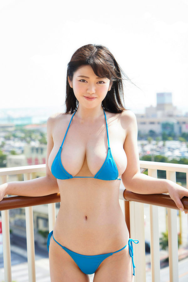 【山岸楓キャプ画像】パイズリさせたらすぐイケそうな色白垂れ爆乳! 67