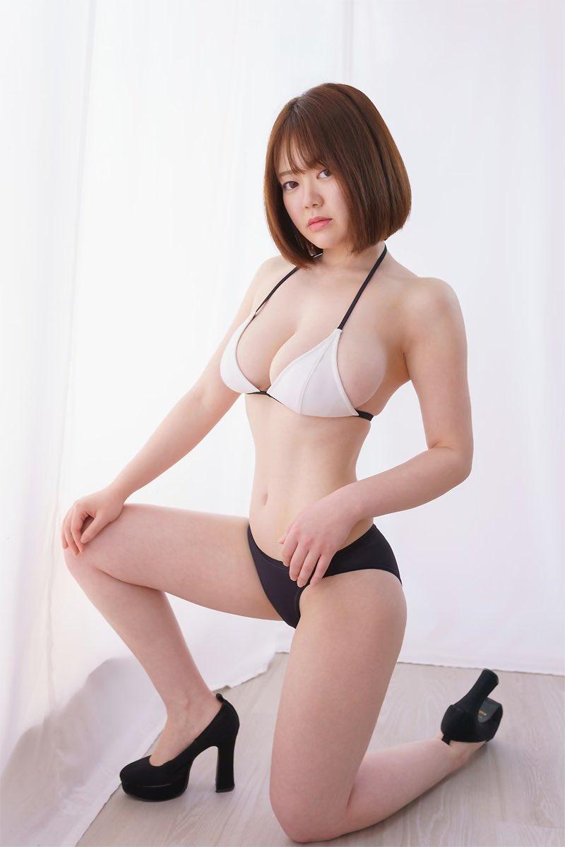 【山岸楓キャプ画像】パイズリさせたらすぐイケそうな色白垂れ爆乳! 74