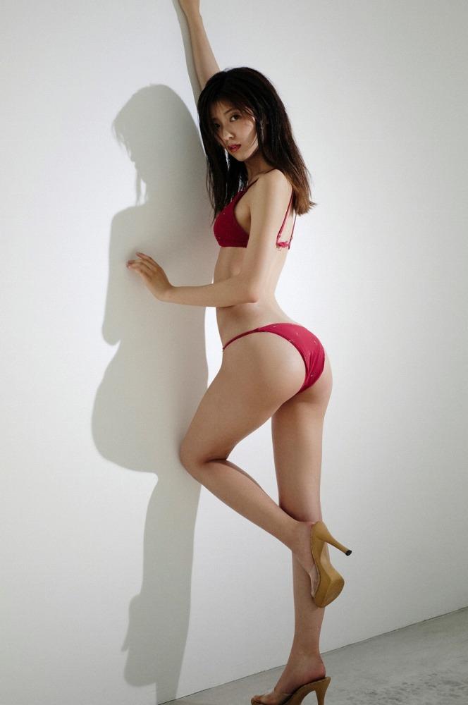 【工藤美桜グラビア画像】小学4年からモデルやってる細身美女のビキニ姿 07