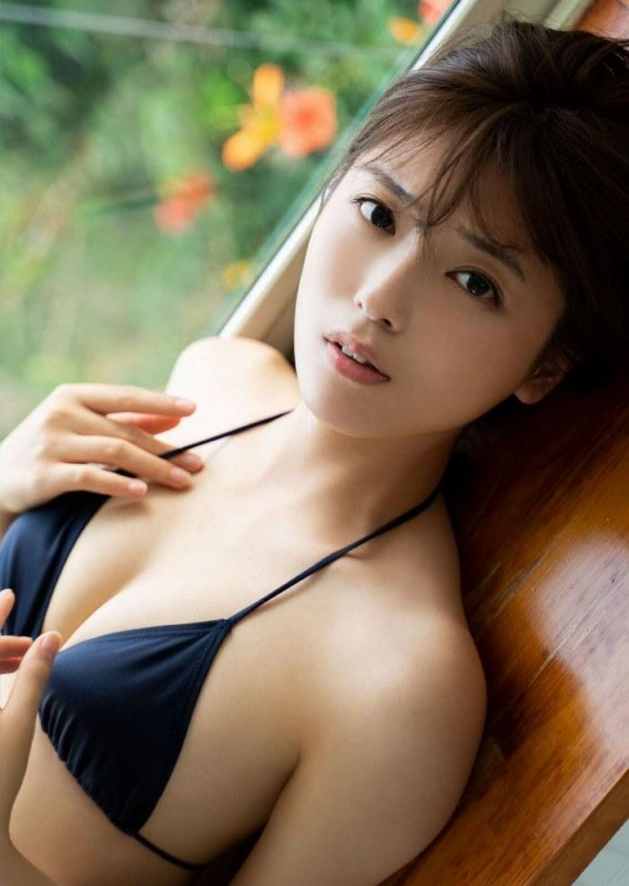 【工藤美桜グラビア画像】小学4年からモデルやってる細身美女のビキニ姿 13