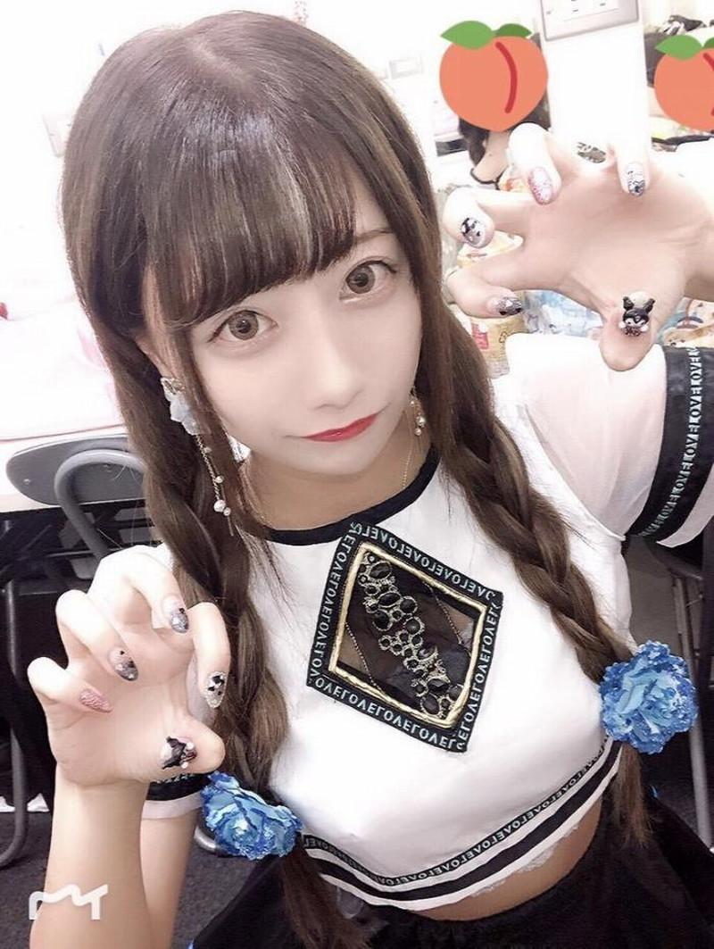 【鈴木優香グラビア画像】谷間をチラ見せしてるエロくて可愛いAKBアイドル 21