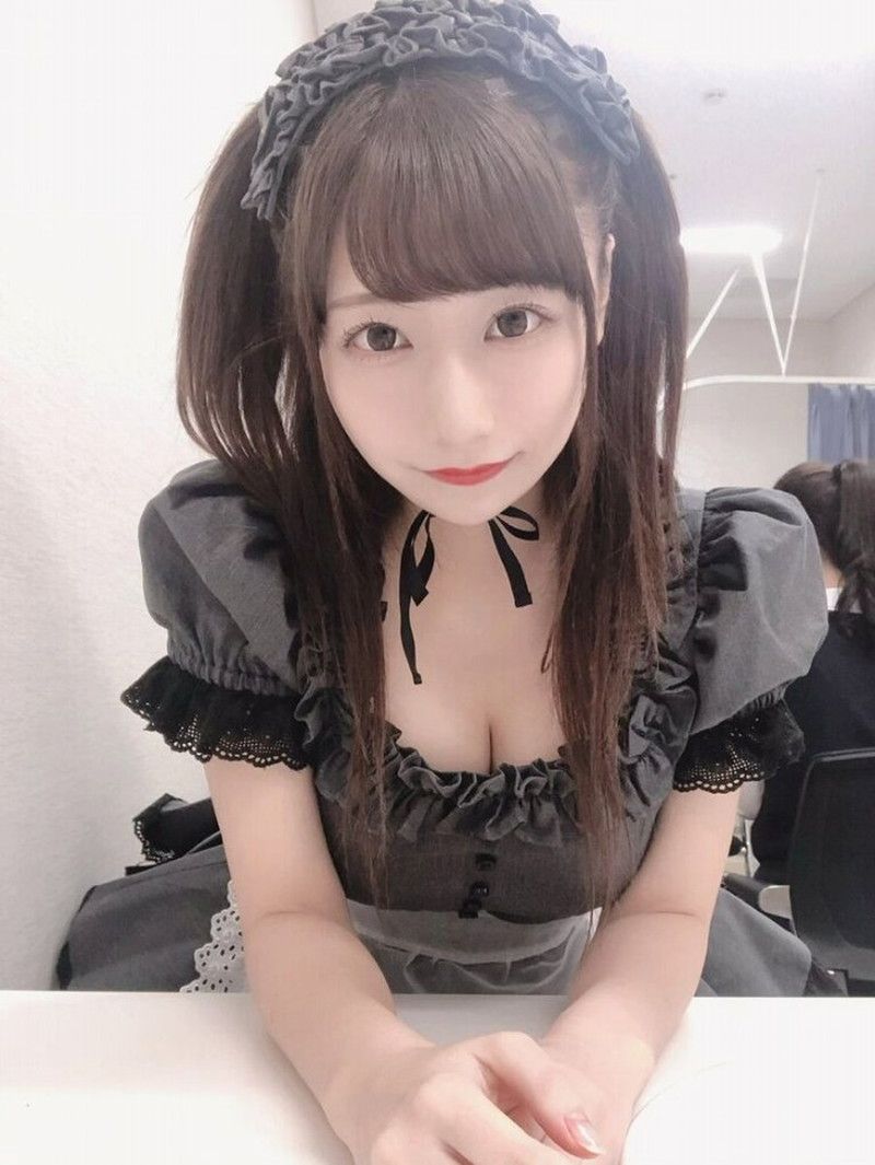 【鈴木優香グラビア画像】谷間をチラ見せしてるエロくて可愛いAKBアイドル 28