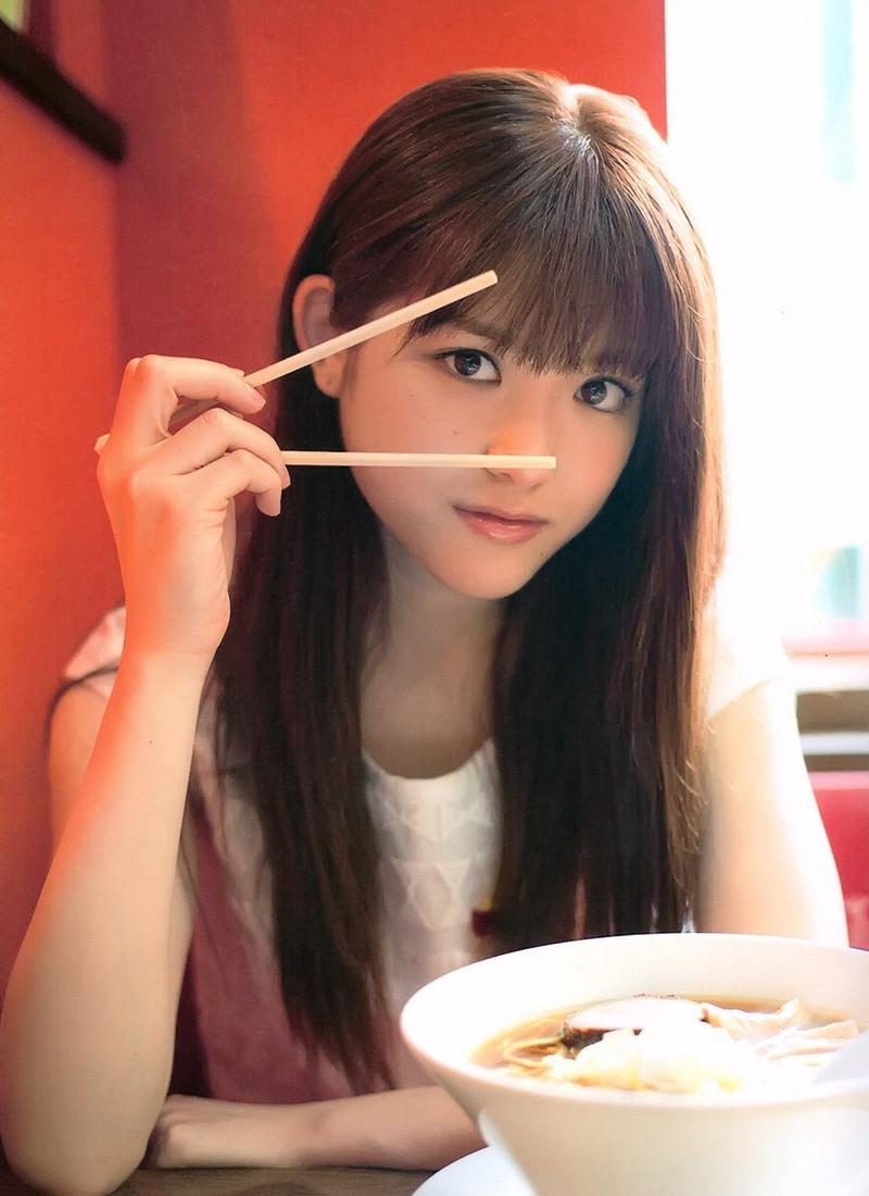 【松村沙友理キャプ画像】食いしん坊なのにスレンダーってずるいなwwww 35