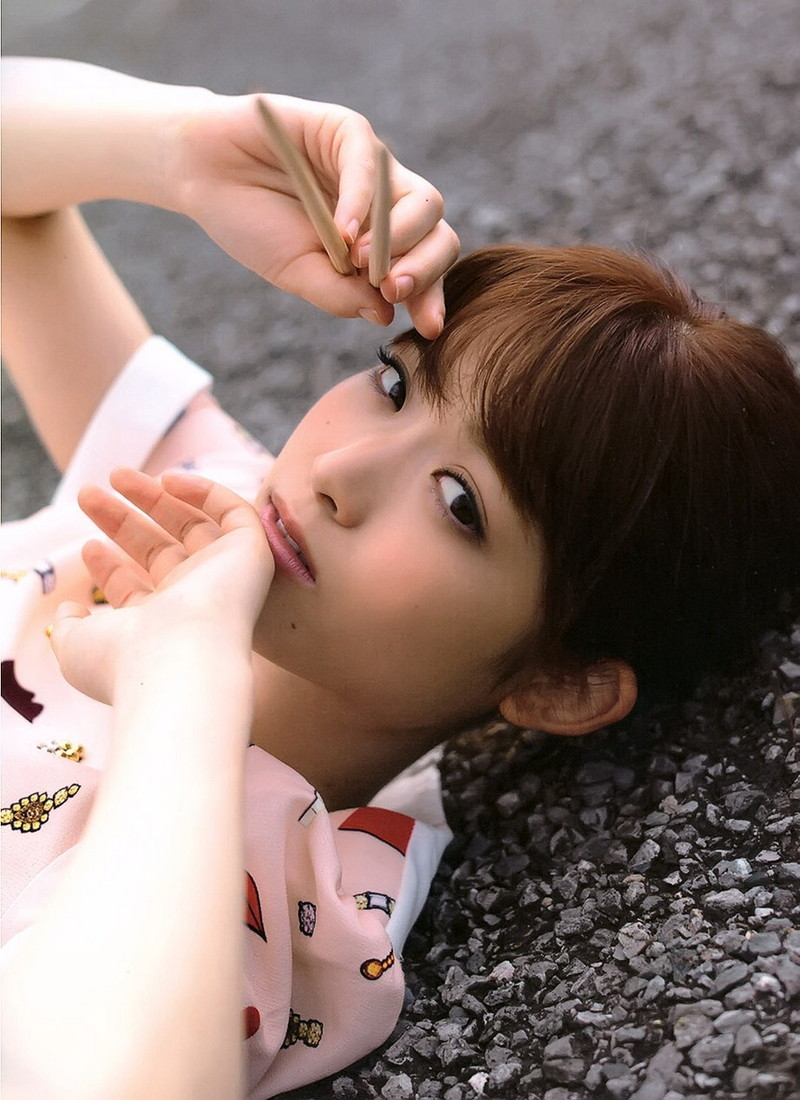 【松村沙友理キャプ画像】食いしん坊なのにスレンダーってずるいなwwww 39