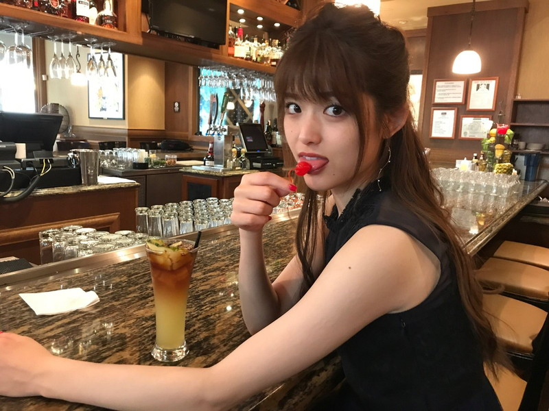 【松村沙友理キャプ画像】食いしん坊なのにスレンダーってずるいなwwww 85