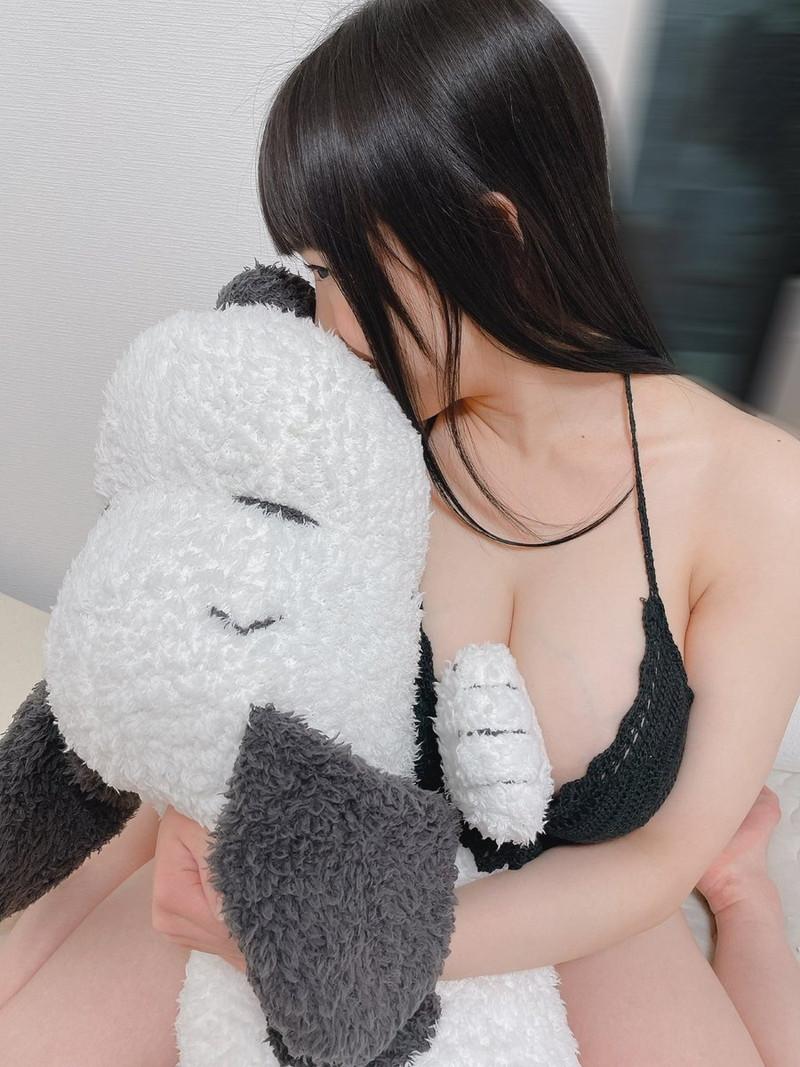 【愛萌なのエロ画像】むっちむちIカップ爆乳巨尻ボディの現役女子大生 38