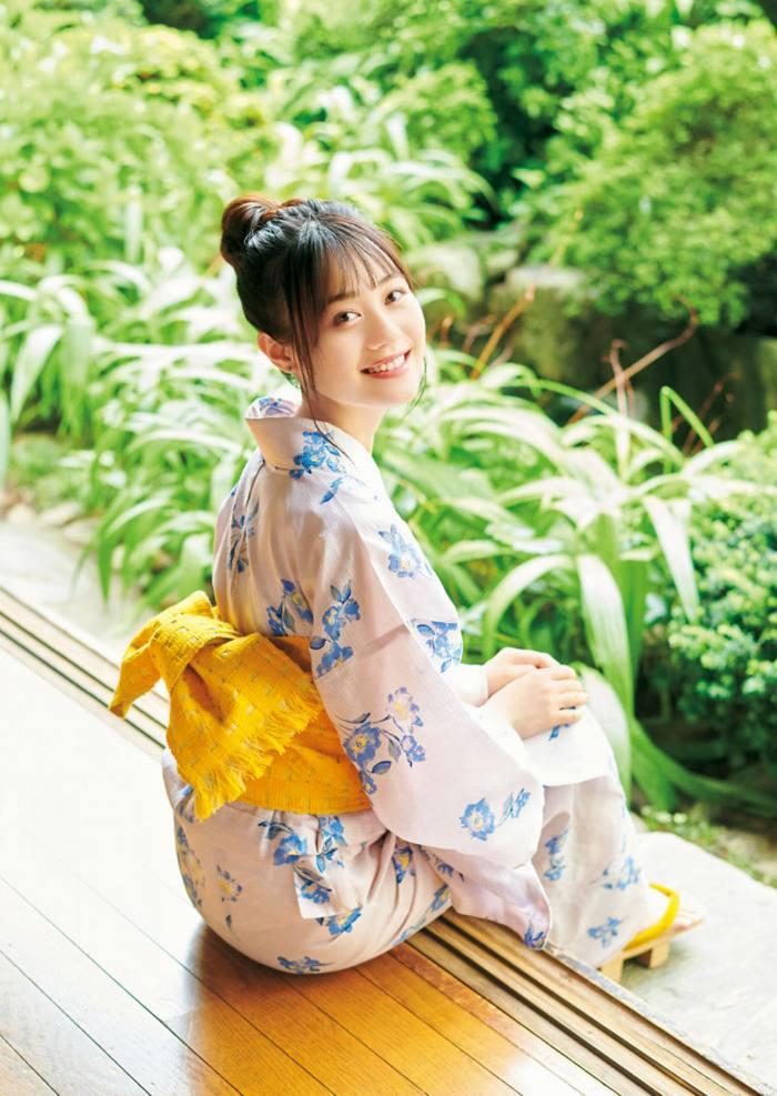 【伊藤美来グラビア画像】笑顔がステキな美少女系声優のエロカワ写真 21