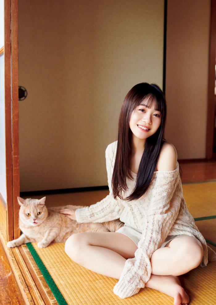 【伊藤美来グラビア画像】笑顔がステキな美少女系声優のエロカワ写真 22