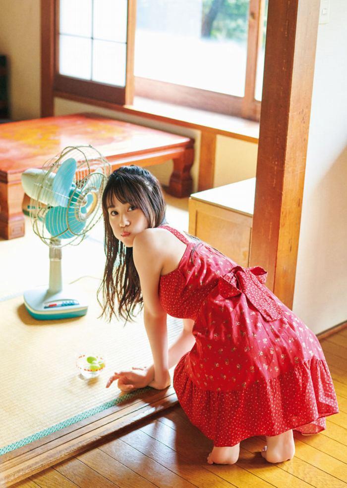 【伊藤美来グラビア画像】笑顔がステキな美少女系声優のエロカワ写真 24