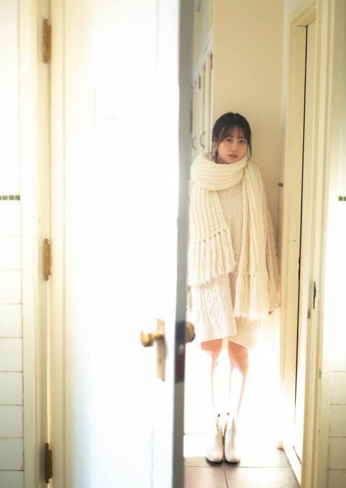 【伊藤美来グラビア画像】笑顔がステキな美少女系声優のエロカワ写真 29