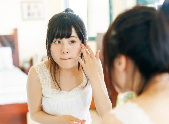 【伊藤美来グラビア画像】笑顔がステキな美少女系声優のエロカワ写真 49