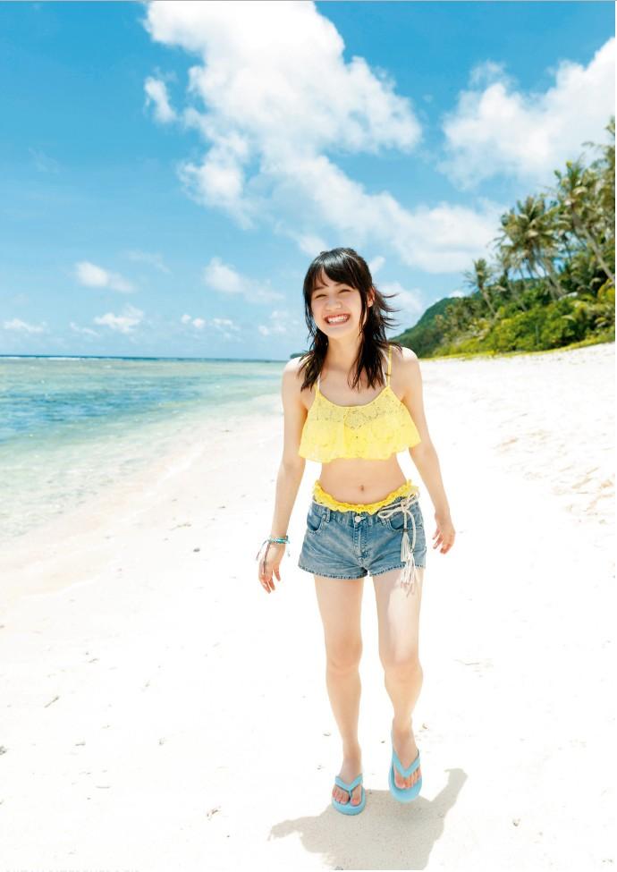 【伊藤美来グラビア画像】笑顔がステキな美少女系声優のエロカワ写真 53