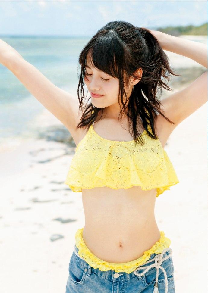 【伊藤美来グラビア画像】笑顔がステキな美少女系声優のエロカワ写真 54