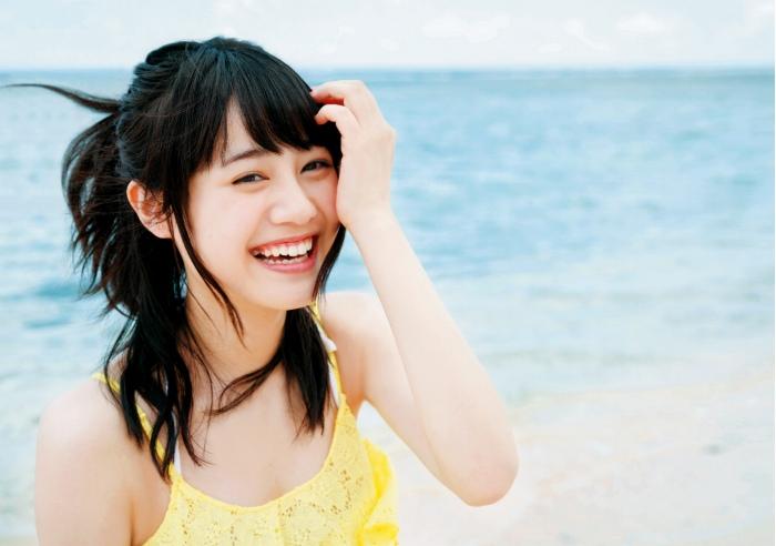 【伊藤美来グラビア画像】笑顔がステキな美少女系声優のエロカワ写真 55