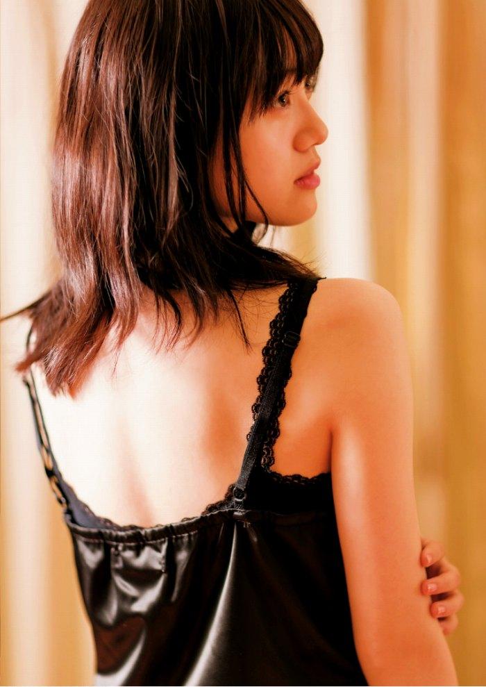 【伊藤美来グラビア画像】笑顔がステキな美少女系声優のエロカワ写真 70