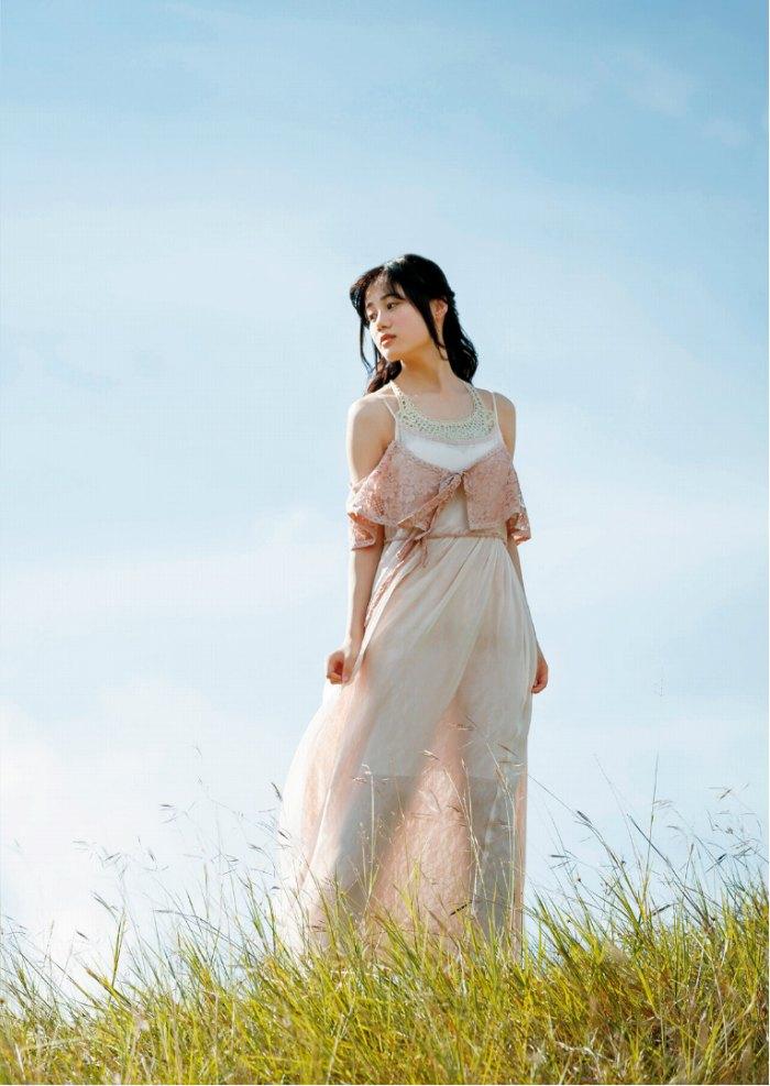 【伊藤美来グラビア画像】笑顔がステキな美少女系声優のエロカワ写真 74