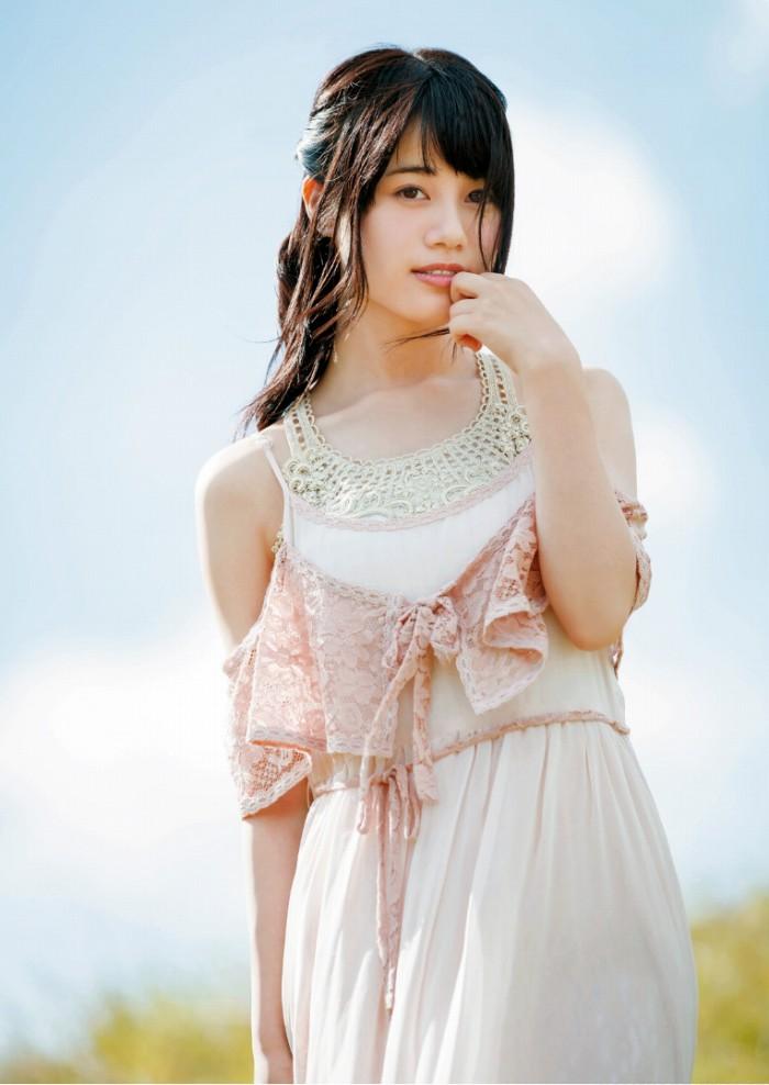 【伊藤美来グラビア画像】笑顔がステキな美少女系声優のエロカワ写真 75