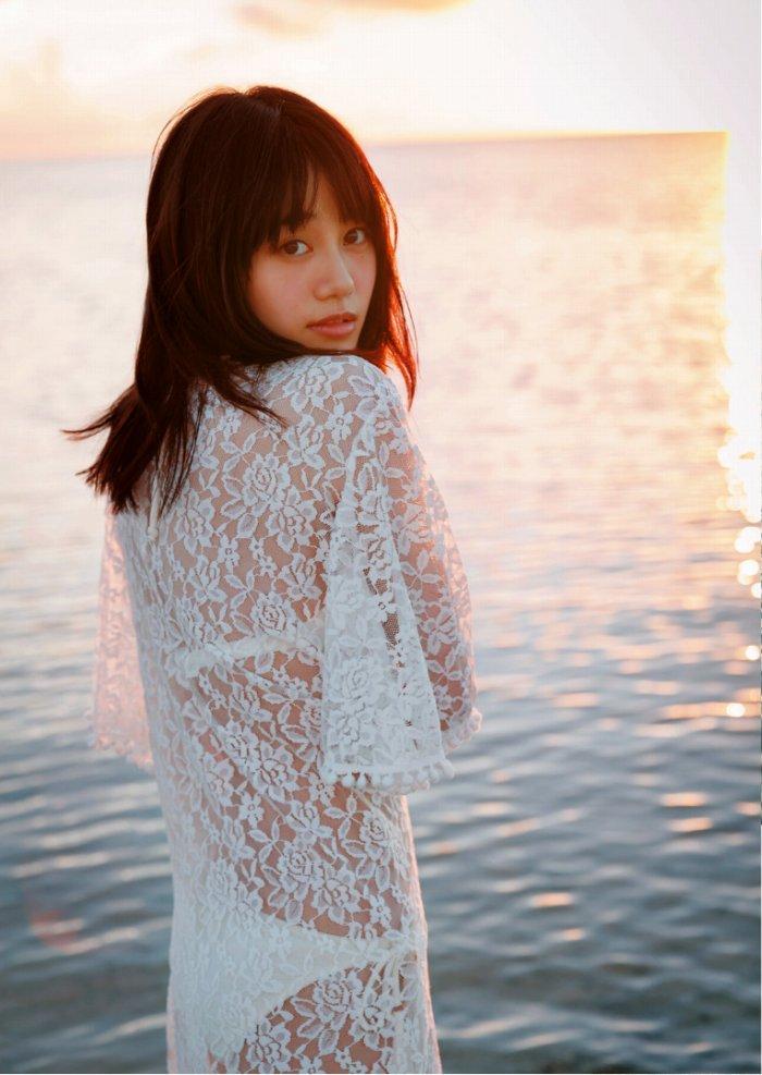 【伊藤美来グラビア画像】笑顔がステキな美少女系声優のエロカワ写真 77