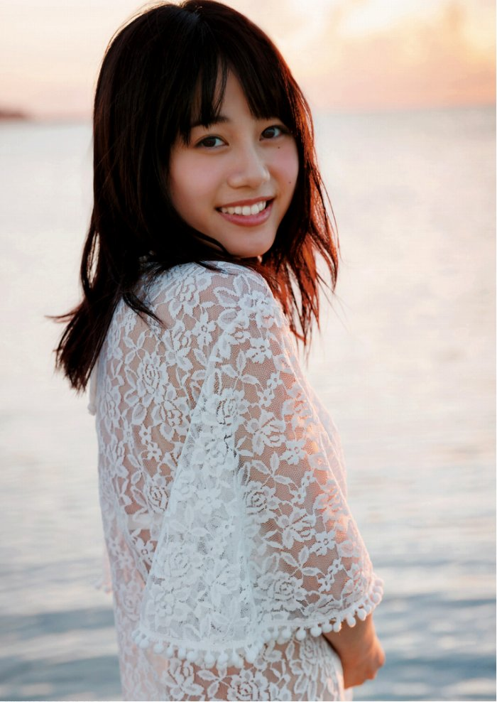 【伊藤美来グラビア画像】笑顔がステキな美少女系声優のエロカワ写真 78