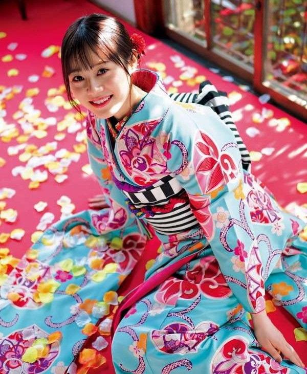 【伊藤美来グラビア画像】笑顔がステキな美少女系声優のエロカワ写真 84