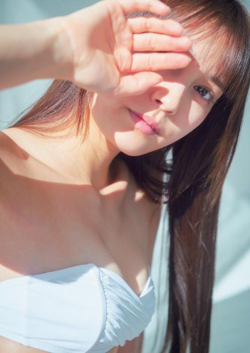 【小山璃奈エロ画像】アイドル辞めてモデルとして再スタートを切った女の子 04