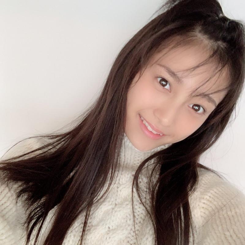 【小山璃奈エロ画像】アイドル辞めてモデルとして再スタートを切った女の子 44