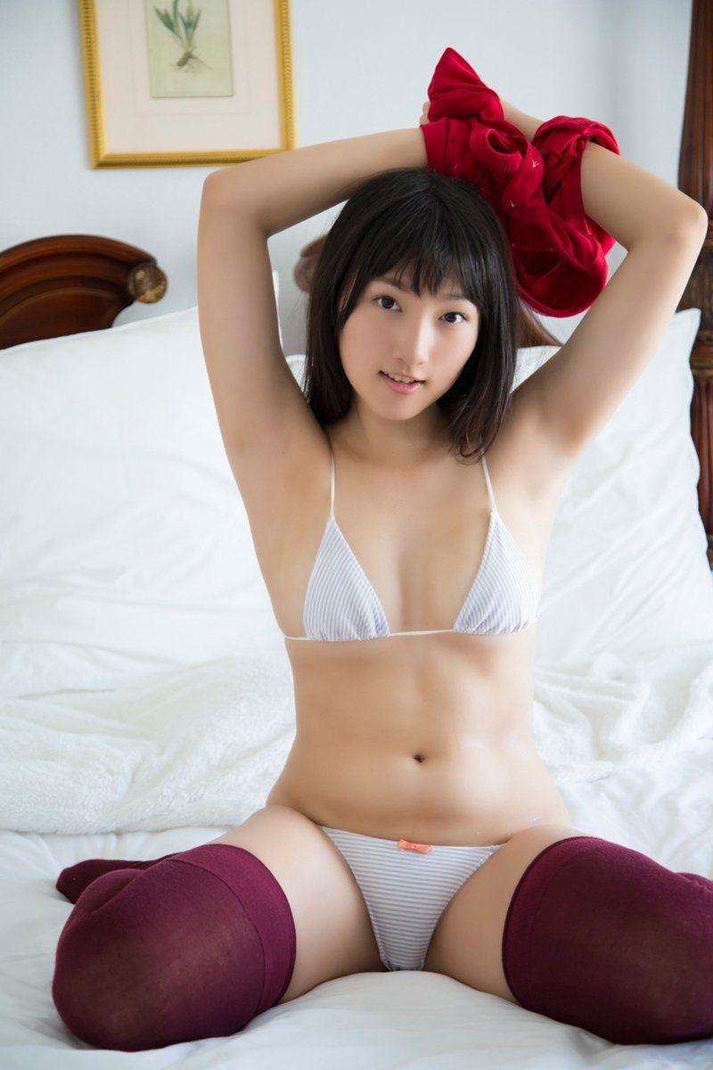【山田菜々グラビア画像】あどけない顔立ちにムッチリボディがエロい元NMB48アイドル 09