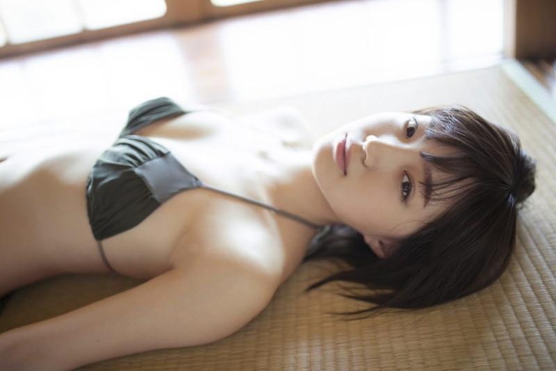 【太田夢莉グラビア画像】ショートヘアが似合って可愛い元アイドル
