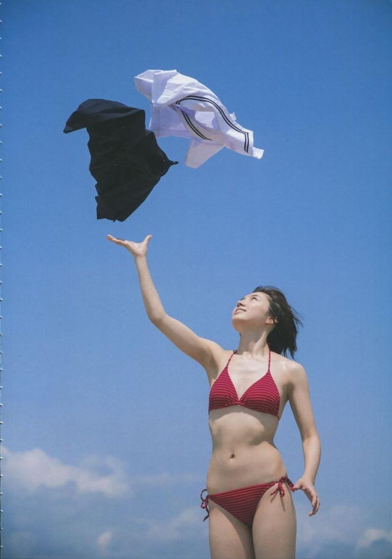 【太田夢莉グラビア画像】ショートヘアが似合って可愛い元アイドル 45