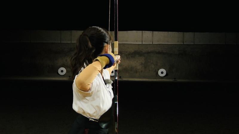 【女子アナキャプ画像】インコ大好きフリーアナウンサーの食レポとチラリw 17
