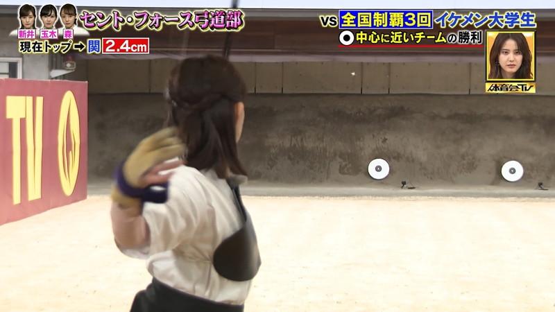 【女子アナキャプ画像】インコ大好きフリーアナウンサーの食レポとチラリw 19