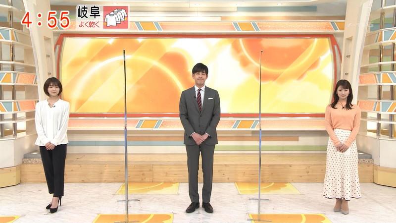【女子アナキャプ画像】インコ大好きフリーアナウンサーの食レポとチラリw 44
