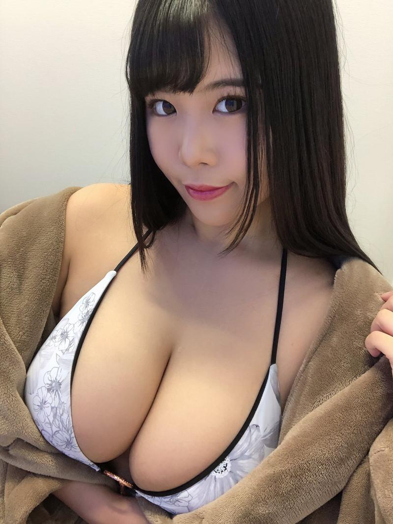 【池田レイキャプ画像】メートル級のJカップ爆乳と巨尻の豊満エロボディ 77