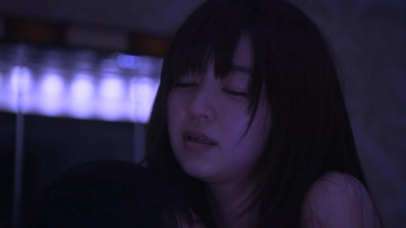 【逢沢りな濡れ場画像】レジェンドモグラ女子のセクシーな谷間チラリとHシーン 36