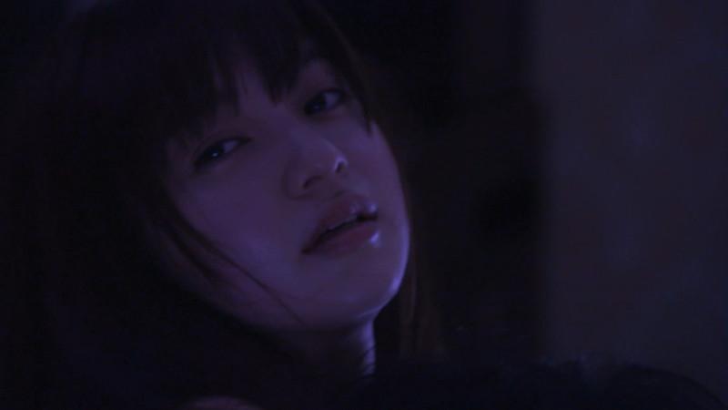 【逢沢りな濡れ場画像】レジェンドモグラ女子のセクシーな谷間チラリとHシーン 38
