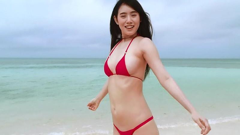 【石神澪キャプ画像】色白Fカップボディに真っ赤なビキニがエロい! 08